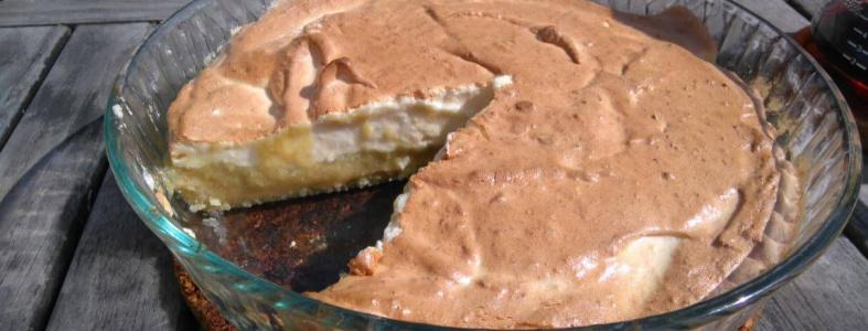 glutenfri mjölkfri rabarberpaj med maräng